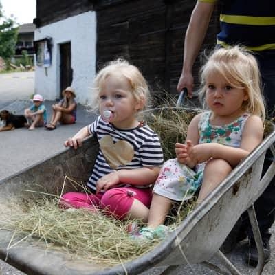Urlaub mit Kindern am Baby- und Familienbauernhof